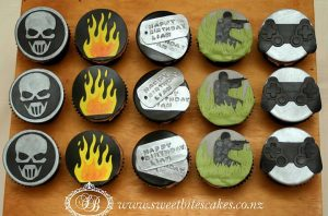 Cupcakes with Call of Duty 2D toppers