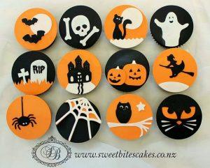 Simple orange & black Halloween cupcakes