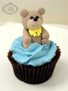 Cupcake with 3D teddy bear figurine topper