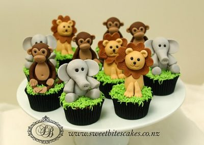 3D Jungle animal cupcakes