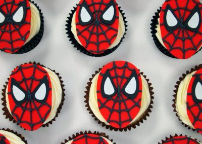 Cupcakes with 2D spiderman faces