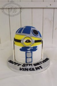3D minion R2D2 cake