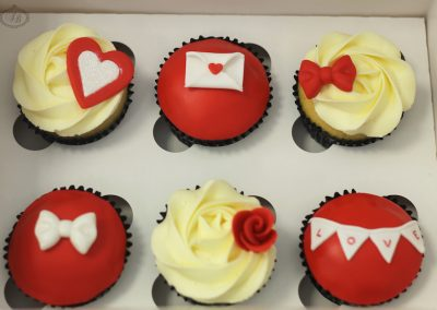 Red & white Valentine's cupcakes