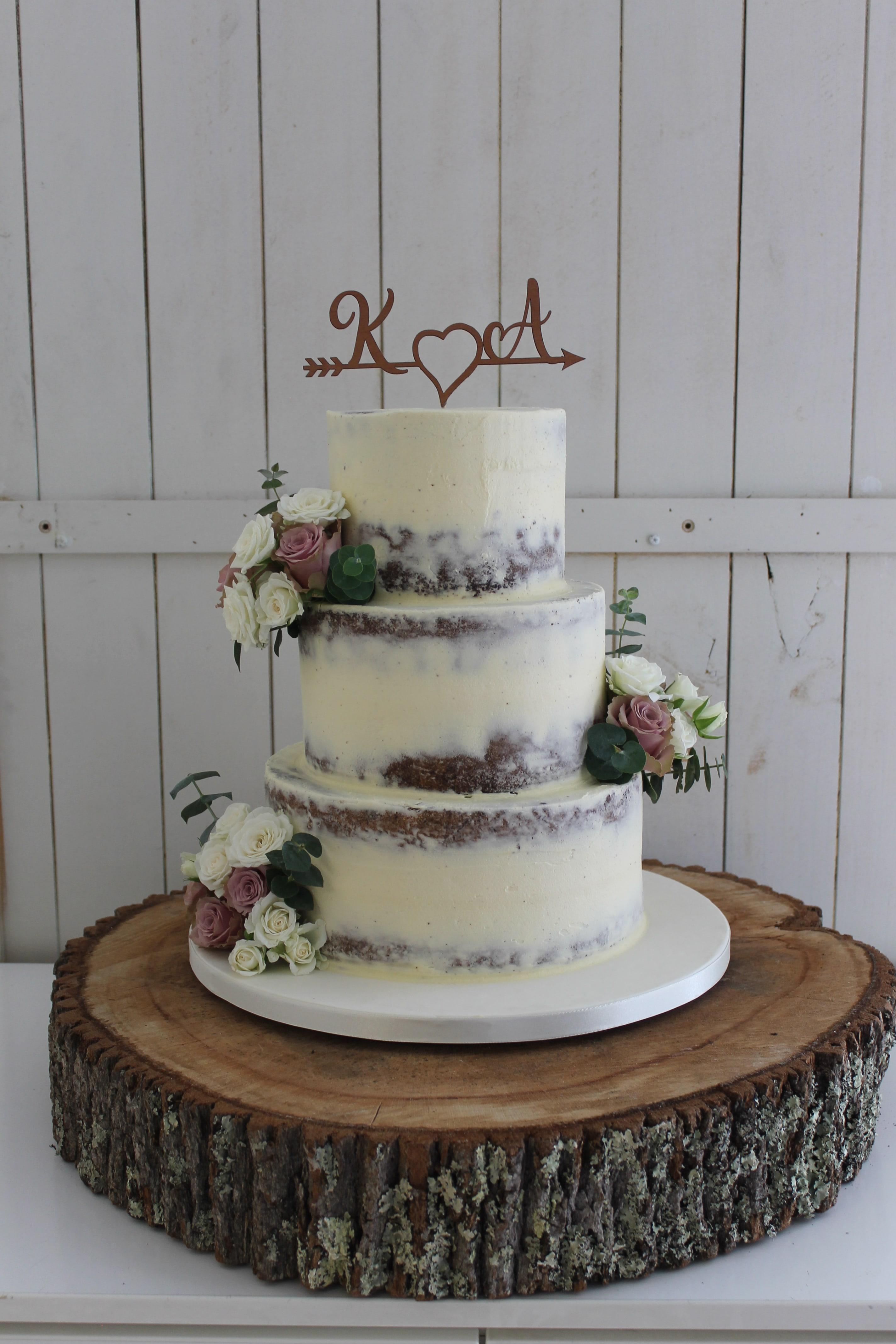 Semi naked finish cake