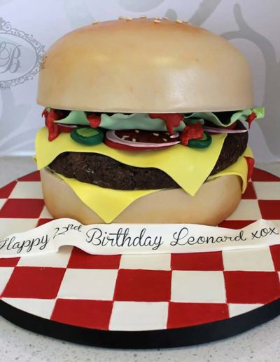3D cheeseburger cake