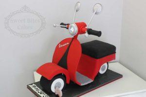 3D scooter Vespa cake