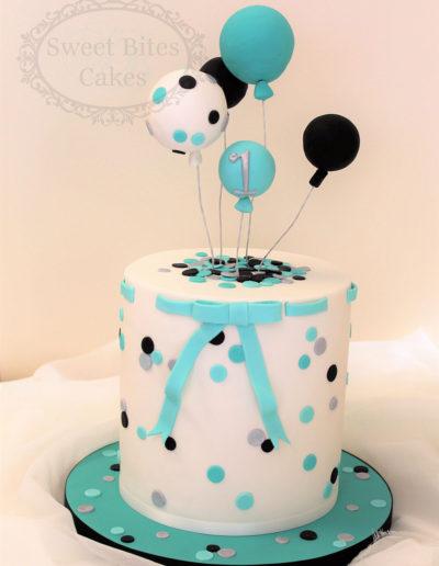 Polka dot & balloons cake