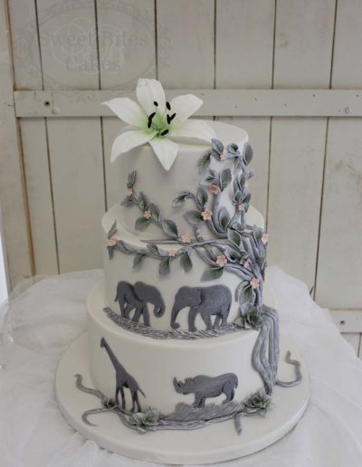 Elephant detailed wedding cake