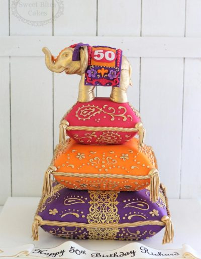 Detailed 3 tier cushion cakes with elephant