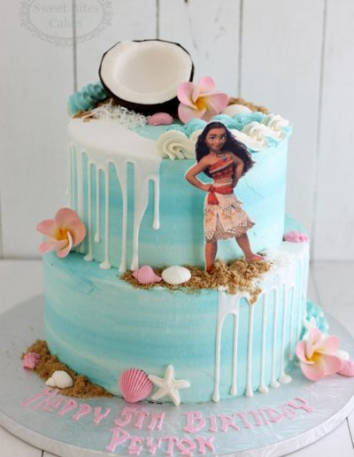 Buttercream watercolour Moana cake