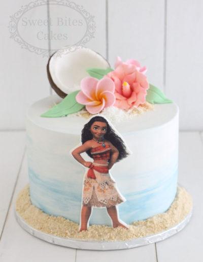 Simple moana cake