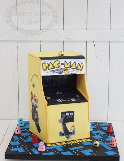 3D pacman cake