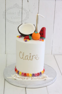 1 tier flowers and coconut fruits cake