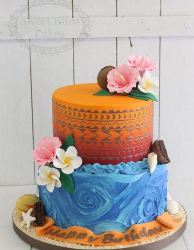 Island cake with fondant flowers
