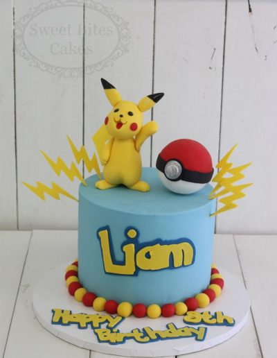 1 tier Pikachu pokemon cake