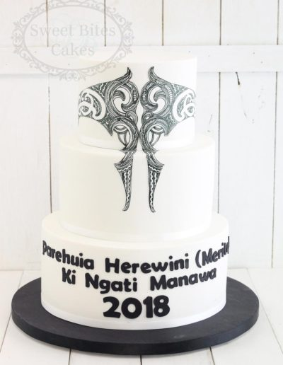 Traditional Maori tattoo design cake