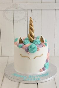 Mint coloured unicorn cake
