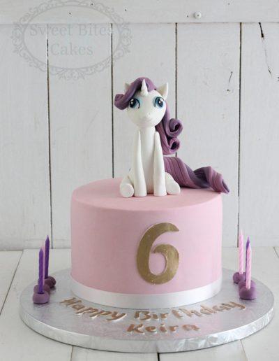 1 tier pink unicorn topper cake
