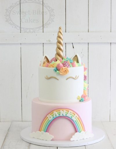 Unicorn pastel rainbow cake