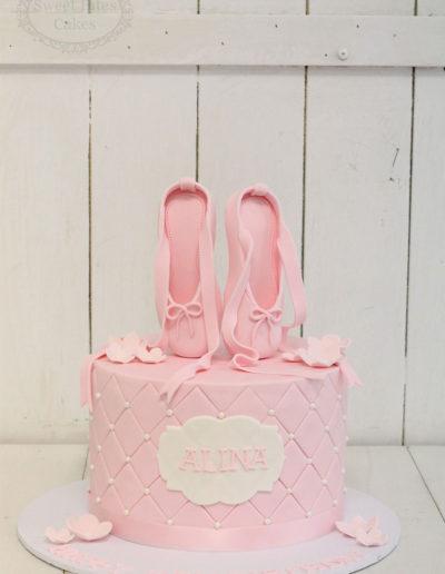 Ballerina slipper cake