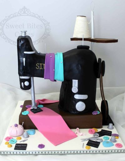 Singer-sewing-maching-cake