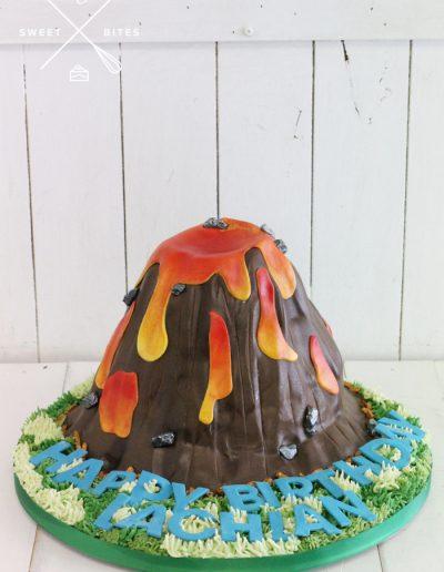 volcano lava 3d mountain cake