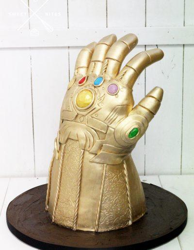 thor gauntlet infinity stones 3d cake