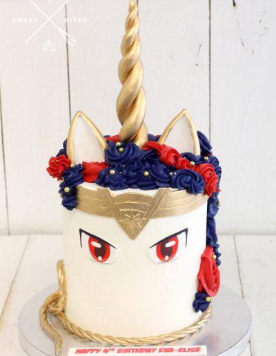 wonderwoman unicorn cake DC