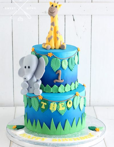 1st birthday safari jungle elephant giraffe cake