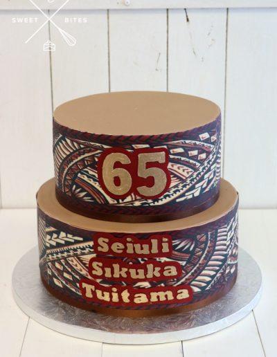 hand painted islander tongan stencil cake