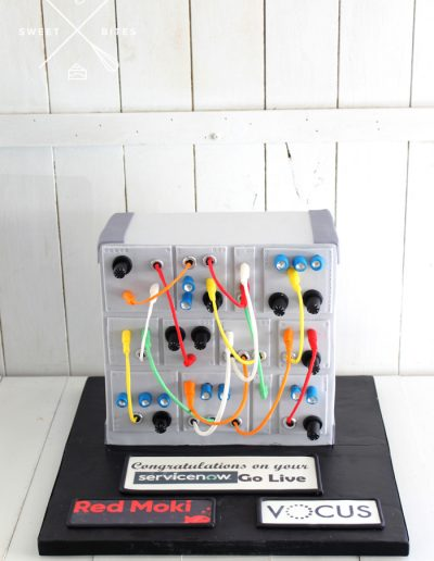3d circut board radio red moki vocus corporate cake
