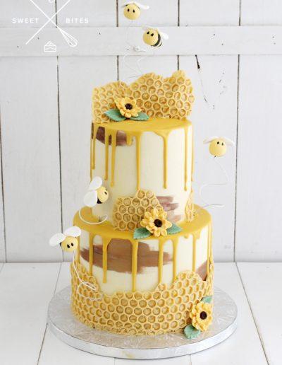 bumblebee honeycomb cake beekeeper