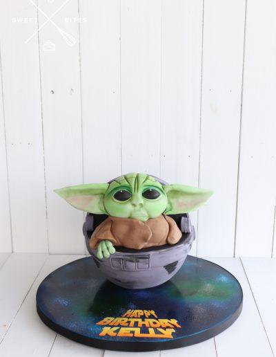 baby yoda cake cute 3d starwars madalorian