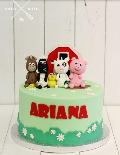 barn yard farm animals cake