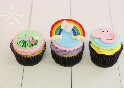 peppa pig rainbow cupcakes
