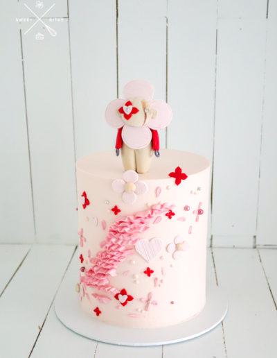 louis vuitton vivienne cake pink