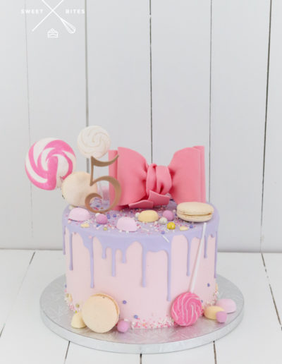 bow cake 5th birthday candy lolliescute pink purple