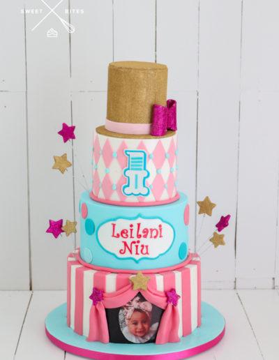 carnival circus pink girl cake top hat